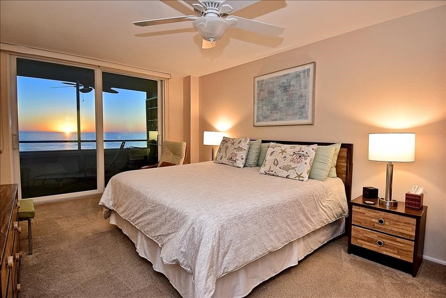 master with lanai access & view