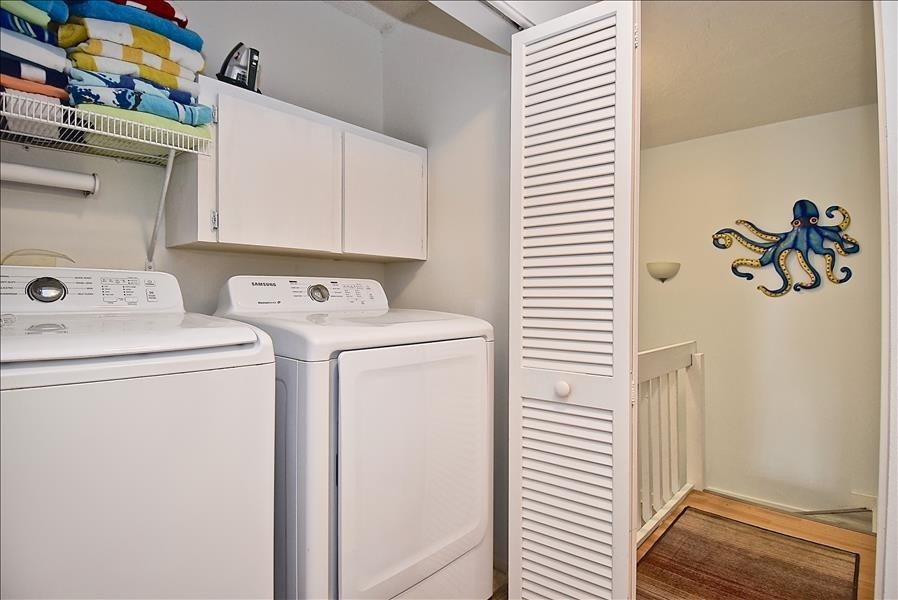 full size washer & dryer provided