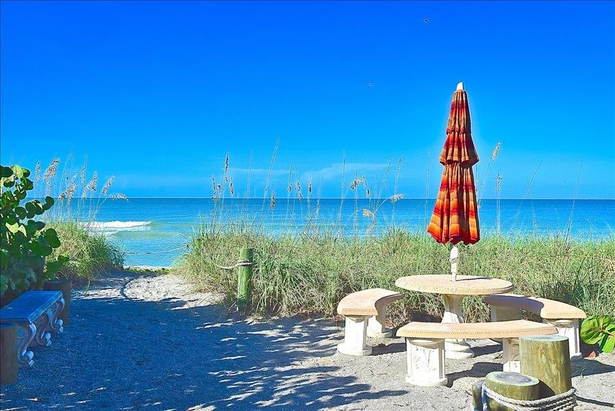beach umbrella table