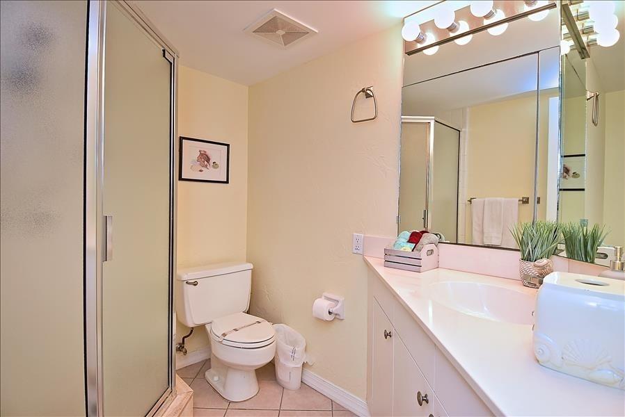 primary ensuite bathroom